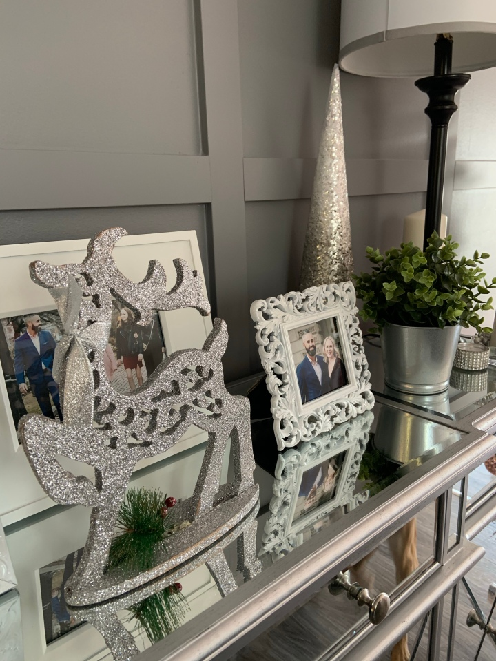 Simple and Affordable Holiday Decor to Make You Look Like aPro
